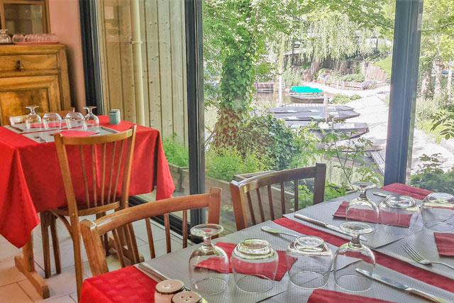 outdoor restaurant domaine lidon
